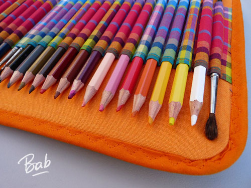 la trousse crayons de couleur bab la bricoleuse. Black Bedroom Furniture Sets. Home Design Ideas